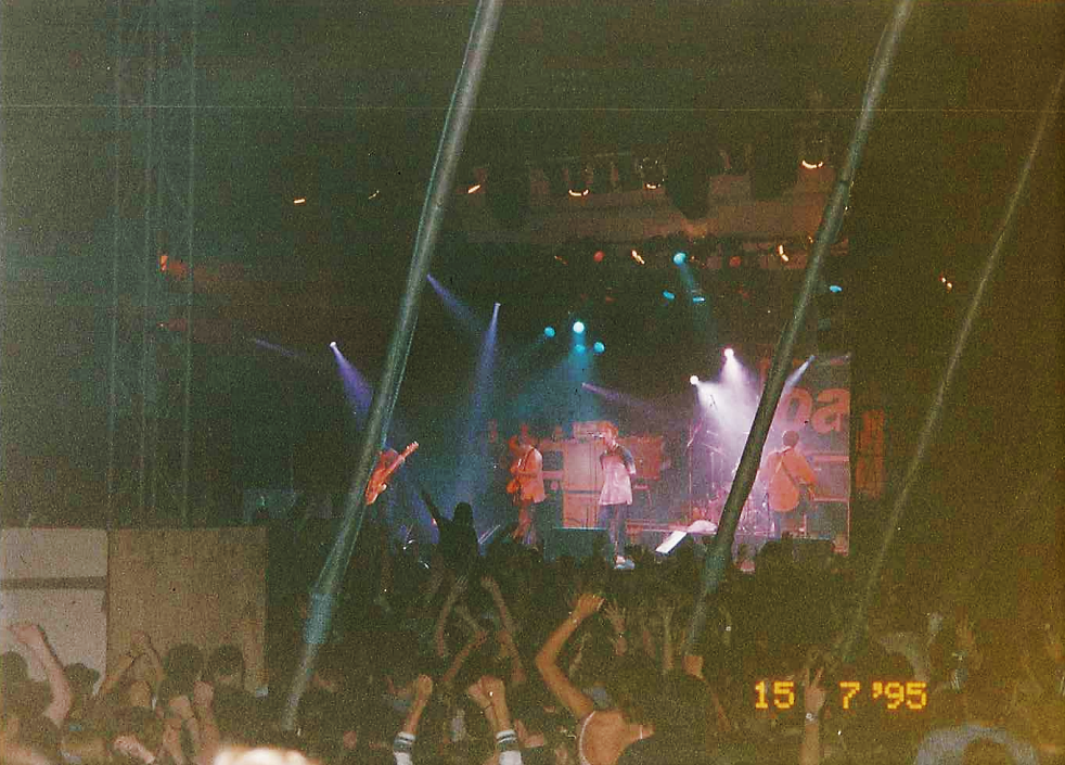 Hold Fast Entertainment Gigs - Oasis at Tall Ships, Irvine Beach 1995